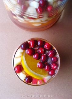 Easy Thanksgiving Cocktail Recipes - Fall Sangria Punch plus other drinks Cranberry Recipes, Sangria Recipes, Cocktail Recipes, Fall Recipes, Holiday Recipes, Drink Recipes, Apple Sangria, White Wine Sangria, Sangria Punch