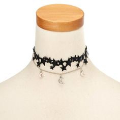 Add this choker to your mystic witch costume! The spooky black stars and magnificent moons are sure to compliment your witchy Halloween costume.