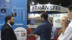 A equipe Manitec Grupos Geradores em Network no stand da Servintel Internacional no segundo dia da FIEE ( 28ª Feira Internacional da Indústria Elétrica, Energia e Automação) realizada no Pavilhão de Exposições do Anhembi