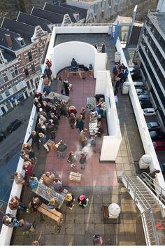 Rooftopbar in Rotterdam. Ondanks de kou leek het al even zomer :-)