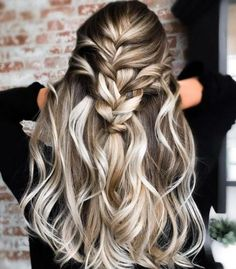Party Hairstyles: Top 36 Holiday Hair Styles – Page 4 – Style O Check Holiday Hairstyles, Party Hairstyles, Down Hairstyles, Trendy Hairstyles, Braided Hairstyles, Balayage Blond, Hair Junkie, Bridal Hair Updo, Heart Hair