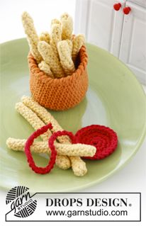 "Crochet DROPS hot dog and bun with fries in ""Paris"". ~ DROPS Design"