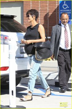 Halle Berry: Pregnancy Colored Involvement on 'X-Men'!: Photo Halle Berry walks hand in hand with her adorable daughter Nahla while doing some shopping together at the Westfield Century City Mall on Monday (August in Los… Westfield Century City, Halle Berry, X Men, Style Icons, Photo Galleries, Berries, Pregnancy, Daughter, Blog