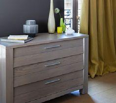 Peindre un meuble avec la peinture semi-opacifiante V33