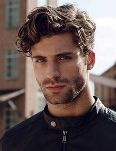 Cortes de cabelo masculino ondulado para 2019 - MODA SEM CENSURA | BLOG DE MODA MASCULINA | Cortes 2019 masculino ondulado, haircut, hairstyle, corte de cabelo masculino, cabelo masculino