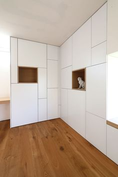 Yves Deneyer – Wood Carpentry Source by Home Interior Design, Interior Architecture, Shelving Design, Living Room Storage, Wardrobe Design, Built In Storage, Home Decor Furniture, Cabinet Doors, New Homes