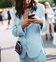2,388 отметок «Нравится», 8 комментариев — streeTrends (@streetrends) в Instagram: «📸: @caroladearmas  #ootd #style #fashion #chic #elegant #style #streetstyle #fashionable…»