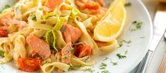 Pasta met gerookte zalm met zongedroogde tomaatjes Tagliatelle Pasta, Penne, Boat Food, Italian Pasta Recipes, Feel Good Food, Seafood Pasta, Pasta Salad, Main Dishes, Cooking