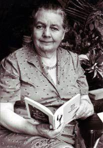 Na década de 1950, a dra. Johanna Budwig, uma das mais conceituadas bioquímicas da Alemanha e uma das melhores pesquisadores de câncer de toda a Europa, desenvolveu um tratamento simples que é até hoje considerado uma das melhores alternativas para a obtenção da cura do câncer de forma natural. Ela nasceu em 1908 e viveu até os 95. Sete vezes ela foi indicada ao Prêmio Nobel de Medicina. A cura do câncer: a linhaça e o protocolo Budwig | Cura pela Natureza