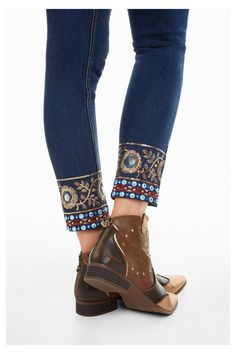 Slim jeans with jewel button, ankle zipper on hems and gold yarn friezes, sequins and circular mirrors. New Desigual Woman collection. Jeans Refashion, Diy Jeans, Women's Jeans, Denim Fashion, Fashion Pants, Boho Fashion, Denim And Lace, Jean Outfits, Cute Outfits