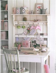 Loved the combination of this shelf with the table - I believe this comes from one of Tilda's book...