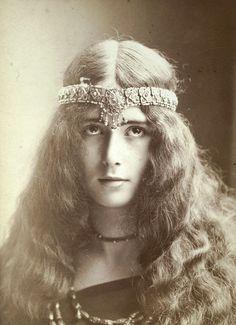 Louise Ebel Pandora
