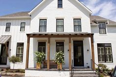 The farmhouse exterior design totally reflects the entire style of the house and the family tradition as well. The modern farmhouse style is not only for interiors. It takes center stage on the exterior as well. Exteriors are adorned with . Exterior Design, Modern Farmhouse, White Brick, Modern Farmhouse Exterior, Exterior Brick, New Homes, Exterior Decor, House Colors, House Designs Exterior