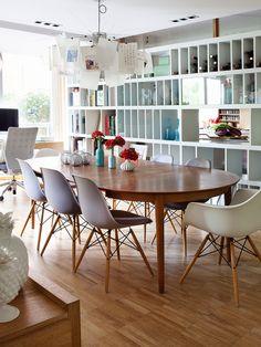 O charme das cadeiras eames nas salas de jantar