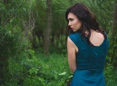 http://nocnymotyl.pl/oferta/sukienki-tuniki/szmaragdowa-sukienka