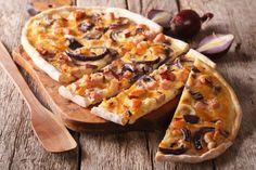 Φλαμκούχεν (flammkuchen): Η πίτσα της Αλσατίας - www.olivemagazine.gr C'est Bon, Caramelized Onions, Hawaiian Pizza, Quick Easy Meals, Vegetable Pizza, Cooking Tips, Appetizers, Favorite Recipes, Healthy Recipes