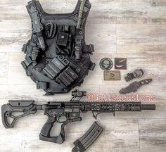 Well that s an interesting setup kinda future titanfall vibe Military Gear, Military Equipment, Airsoft Gear, Tactical Gear, Weapons Guns, Guns And Ammo, Rifles, Tac Gear, Assault Rifle