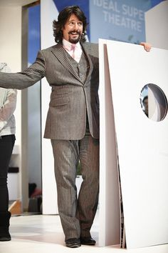 Laurence Llewelyn Bowen talks to crowds at the 2013 Show.
