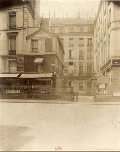 L'Hôtel de Grancey au n° 83 de la rue de Richelieu. Une photo d'Eugène Atget  (Paris 2ème)