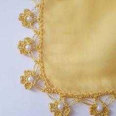 Sarı Papatyalar Boncuklu Oyası Yellow Daisies, Happy Eid, Crochet Borders, Bead Crochet, Beaded Lace, Knitting Socks, Blouse Designs, Daisy, Embroidery