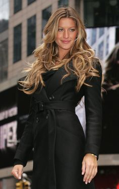 #Gisele Bundchen love the #Trench #Coat..