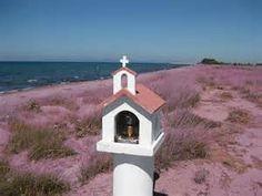 Afbeeldingsresultaat voor greek roadside shrine chapel
