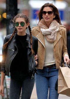 FASHION WORLD NEWS&TRENDS 15.2.2016..... Beauty Clones! 7 Mother-Daughter Duos Who Share More Than Great Genes. SMILE