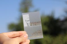 satinierte - Visitenkarten - weiss - gold - Heißprägung - www.bce-online.com/de