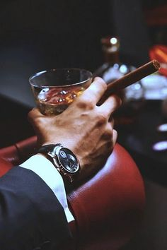 Look pretty, play hard. Be a gentleman with a luxury cigar. Style Gentleman, Der Gentleman, Vintage Gentleman, Mafia, Gentlemans Club, Cigars And Whiskey, Its A Mans World, Style Casual, Men's Style