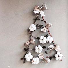 . . #크리스마스트리 #목화트리 . . 늠나 귀여운 목화트리 🎄 크리스마스트리 미리미리 준비하세요 💓. . . Lesson Order 👉🏻Katalk ID vaness52 E-mail vanessflower@naver.com 📞070-7522-6813 . #vanessflower #flower #florist #flowershop #handtied #flowerlesson #flowerclass #플라워 #바네스플라워 #플라워카페 #플로리스트 #꽃다발 #부케 #원데이클래스 #플로리스트학원 #플라워레슨 #플라워아카데미 #꽃수업 #꽃주문