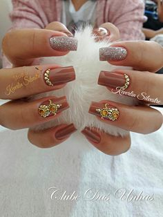 As melhores unhas decoradas para noivas unhas bege, unhas decoradas delicadas, unhas rosa decoradas Love Nails, Pretty Nails, My Nails, Bridal Nails, Wedding Nails, Coffin Nails, Acrylic Nails, Glitter Make Up, Healthy Nails