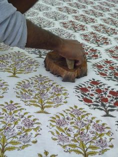 Wood Block Printing- An Age old Textile Art to cherish – Fashion in India – Threads Textile Prints, Textile Design, Textile Art, Textures Patterns, Print Patterns, Pattern Texture, Art Tribal, Indian Block Print, Art Graphique