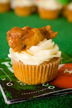 Buffalo Chicken Cupcakes.. Doing this for sure!