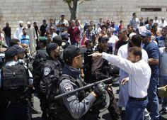 جنود يقتلون فلسطينية بدم بارد في الخليل وقنابل الغاز تقتل فلسطينياً في حاجز قلنديا - ذات بوست