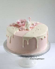 Ivory Wedding Cake, Wedding Cakes, Tart, Sweet Bakery, Drip Cakes, Piece Of Cakes, Cakes And More, Cake Cookies, No Bake Cake