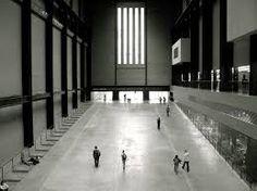 Una visita a la Tate Modern, no sólo para ver sus obras, también por el propio edificio en sí, una antigua central eléctrica reconvertida.