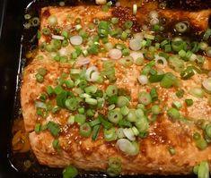 inkivääri-seesamilohi Vegetable Pizza, Dinner, Vegetables, Food, Dining, Food Dinners, Essen, Vegetable Recipes, Meals