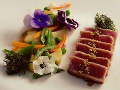 Tataki di tonno con verdure e fiori - di Willi Lapaglia #fuudly #ricette
