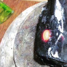 Ouro fundido no carvão! . Smelting gold on charcoal!! #jewellerymaking #ourives #adrenalina #joiabruta