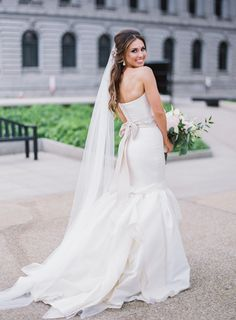 Gorgeous chic Carolina Herrera wedding gown: Photography: Lauren Gabrielle Photography - laurengabrielle.com   Read More on SMP: http://www.stylemepretty.com/2016/08/03//