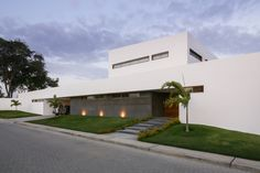 Gallery of PL House / AI2 Design - 5