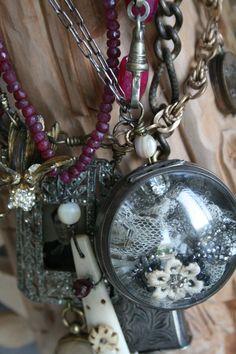 Garden Flowers - Annuals Or Perennials Amy Hanna Resin Jewelry, Jewelry Art, Beading Jewelry, Jewelry Ideas, Diy Jewelry Making, Jewelry Making Supplies, Vintage Jewelry Crafts, Handmade Jewelry, Mixed Media Jewelry