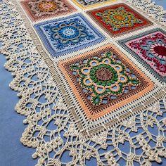 yolanda acuna's media content and analytics Crochet Table Runner Pattern, Crochet Tablecloth, Crochet Blanket Patterns, Crochet Motif, Crochet Designs, Crochet Doilies, Crochet Flower Squares, Crochet Flowers, Diy Stockings