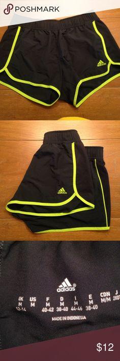 Adidas running shorts EUC Adidas running shorts. Elastic waistband Adidas Shorts