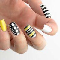 Nice yellow, white and black fabric inspired nails. Inspired by Marimekko's wonderful furnishings print patterns. Mood Nail Polish, Nail Polish Dry Faster, Skull Nail Art, Skull Nails, Halloween Nail Designs, Halloween Nail Art, Marimekko, Yellow Nails, White Nails