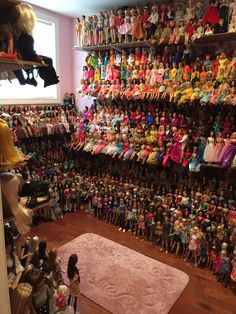 Doll room finally back in order. Barbie Room, Barbie Doll House, Barbie Life, Barbie Dream House, Barbie World, Poupées Barbie Collector, Doll Storage, Barbie Diorama, Doll Display