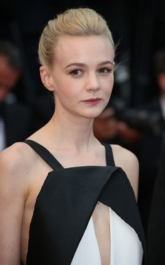 Carey Mulligan Photos - Carey Mulligan attends 'Inside Llewyn Davis' Premiere during the Annual Cannes Film Festival at Palais des Festivals in Cannes. - 'Inside Llewyn Davis' Premieres in Cannes Marcus Mumford, Jane Austen, Westminster, Carey Mulligan Hair, Hollywood Actress Pics, The New Doctor, Twist Bun, Palais Des Festivals, English Actresses