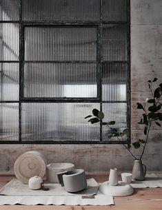 Trendy Nature Home Design Wabi Sabi 35 Ideas Wabi Sabi, Interior Design Minimalist, Japanese Interior Design, Contemporary Interior, Modern Design, Reeded Glass, Deco Zen, Japanese Minimalism, Interior Stylist