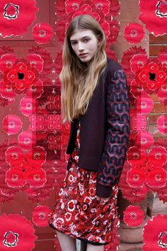 Daniella Maiorano / Stylist: Lola Chatterton / Illustration: Rosie McGuinness / Model: Sophie Yal