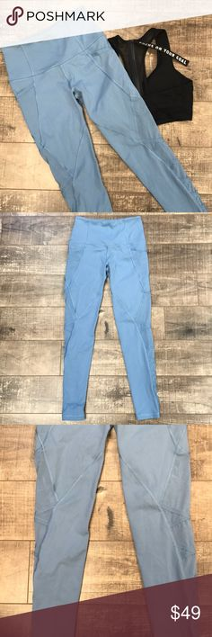 1 HR SALE! Knockout Tight by Victoria's Secret Very pretty blue. Thick waist band. No piling at all 🙌🏼 Small pocket in the back of the waist band. Mesh on the sides. No trades. Victoria's Secret Pants Leggings